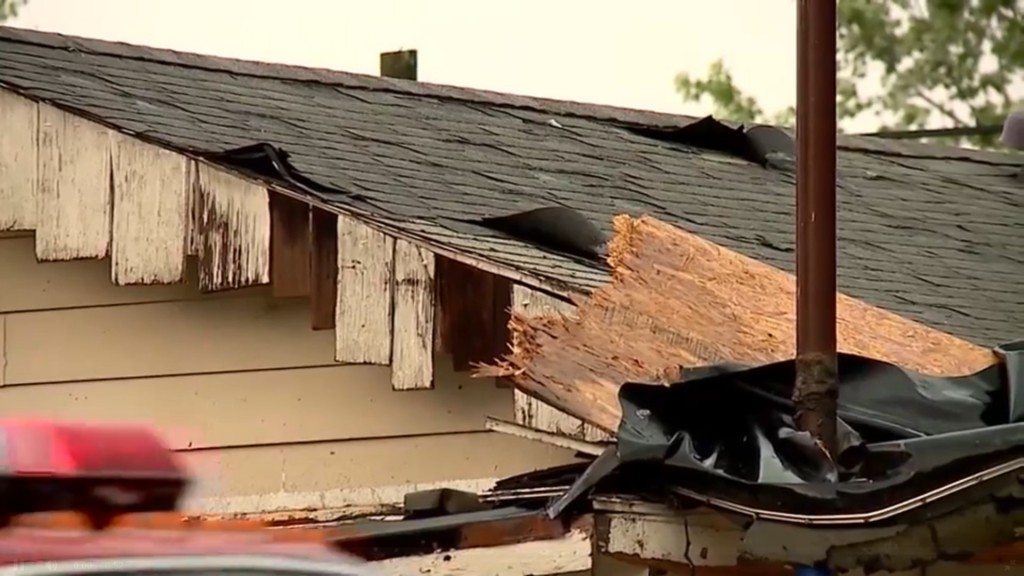 Crews assess damage after four tornadoes hit Central Indiana