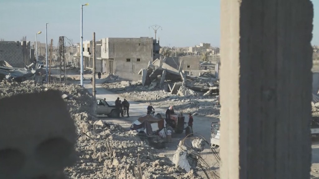 As ISIS shrinks, Syrians return home to rubble