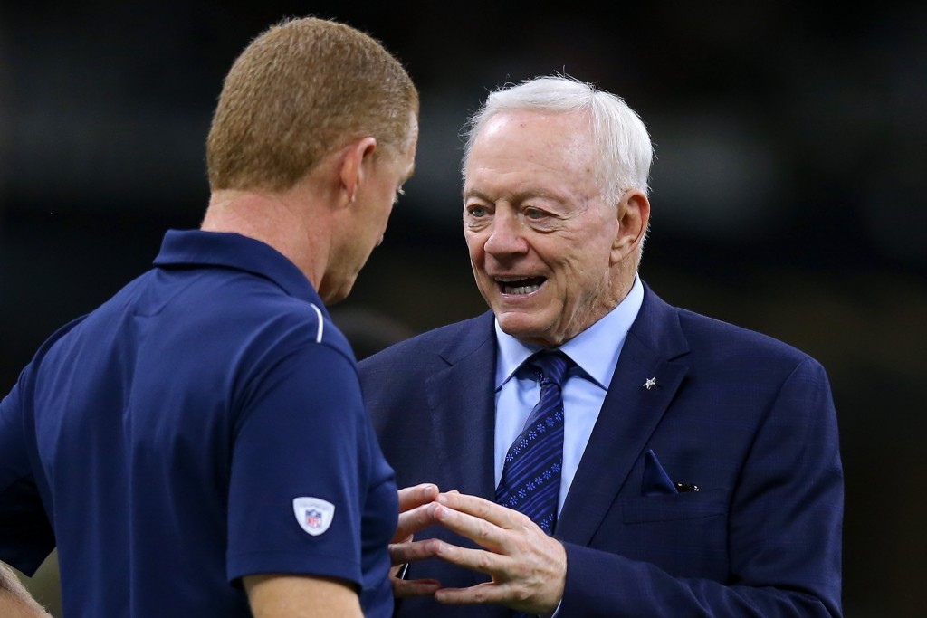 Jerry Jones declares he's a 'Jason Garrett man'