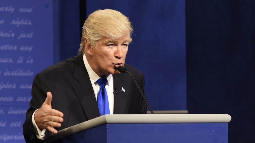 Alec Baldwin's Trump returns to declare a national emergency on 'SNL'