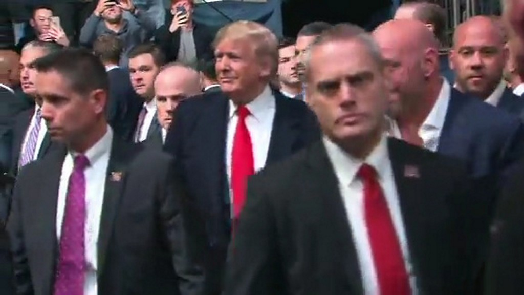 Trump met with loud boos, some cheers at UFC fight in New York