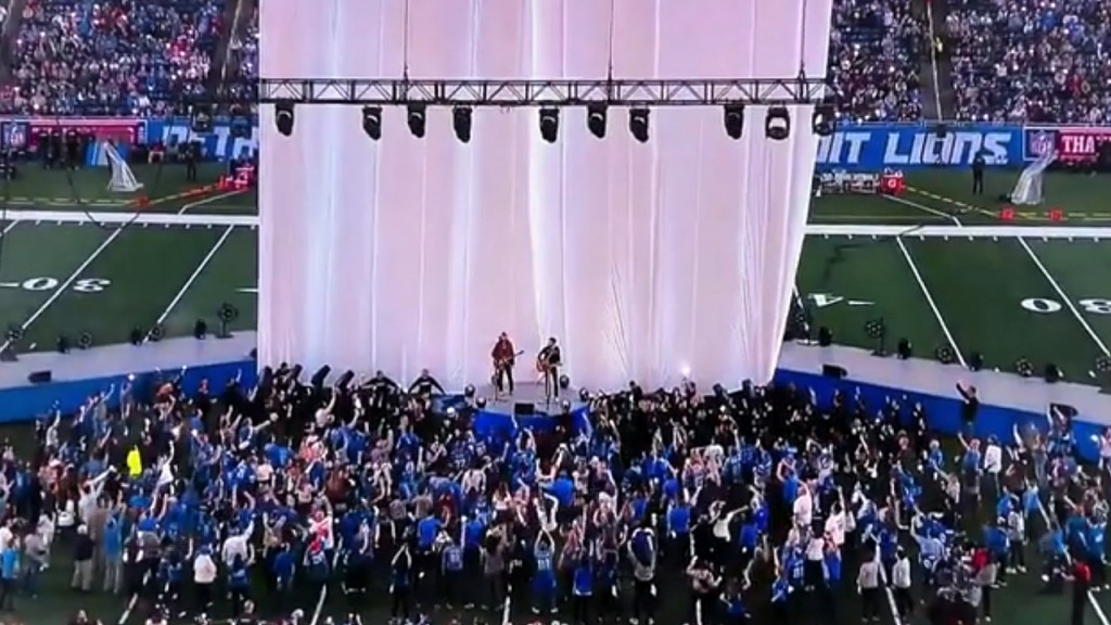 Power outage briefly interrupts NFL halftime show in Detroit