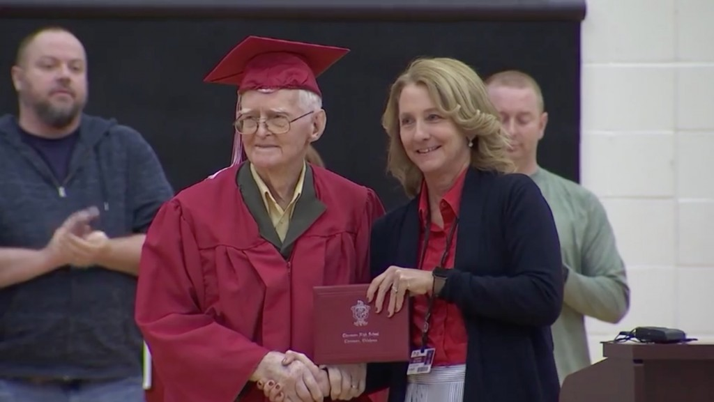 WWII veteran gets high school diploma at 95