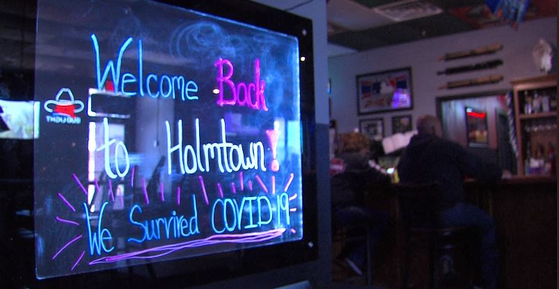Residents Get A Long Awaited Meal At Holmtown Pub In Fort Scott