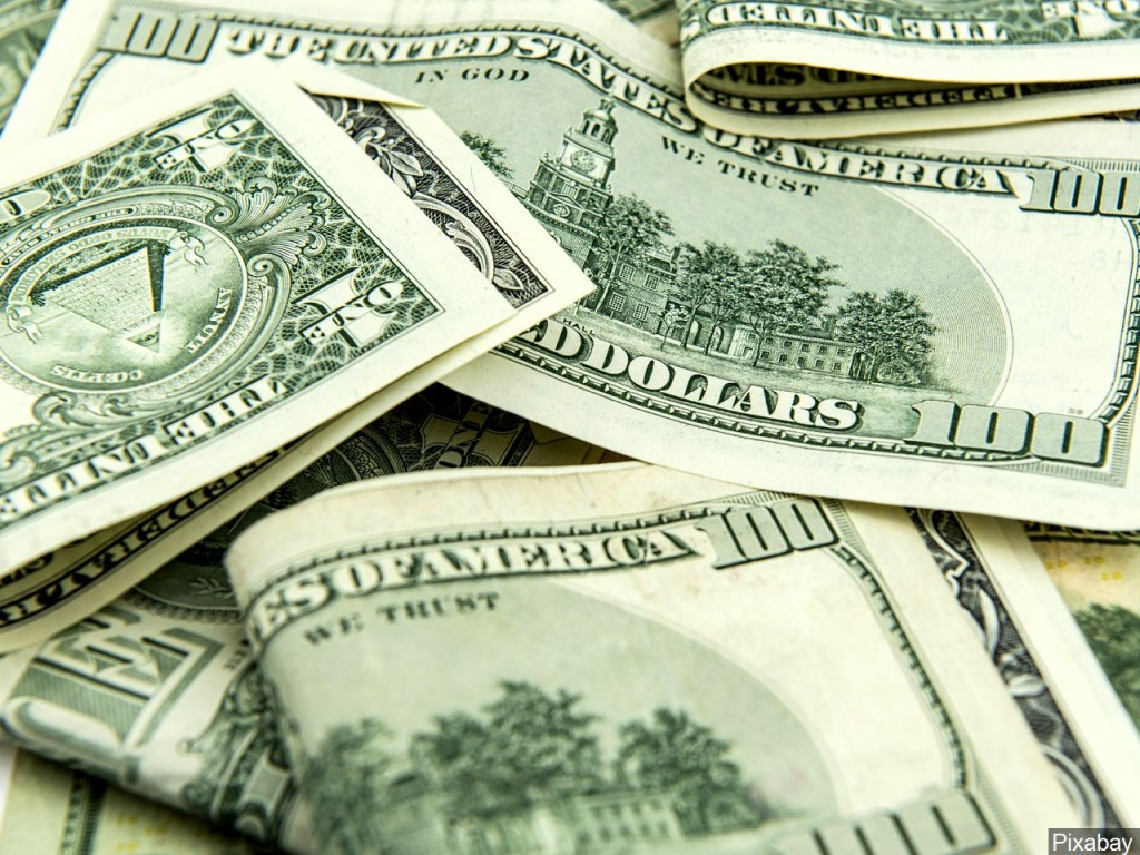Carthage couple pleads guilty for embezzlement