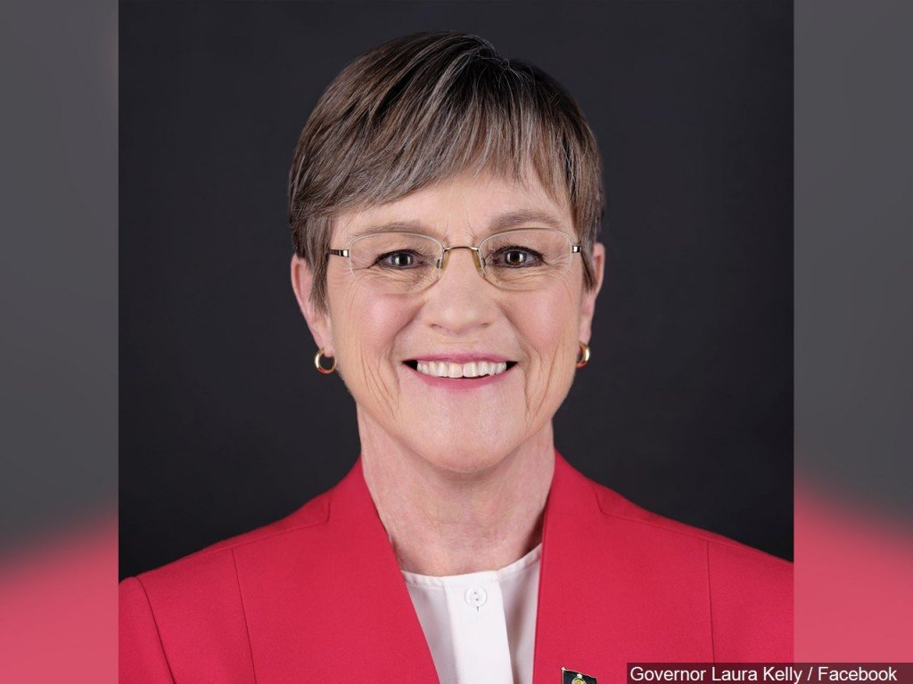 Governor Laura Kelly Announces Executive Orders on Driver's License Extension, Adult Care Home Licensure