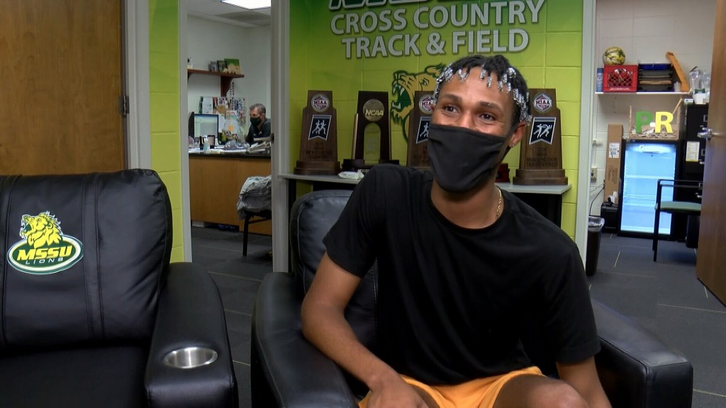 Missouri Southern's AJ Broadus raises money to buy school and art supplies for elementary school students in need.