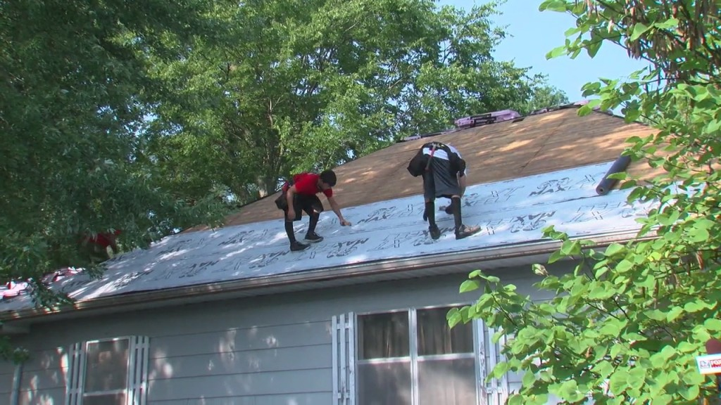 Local Roof Company Build New Roof For Veteran