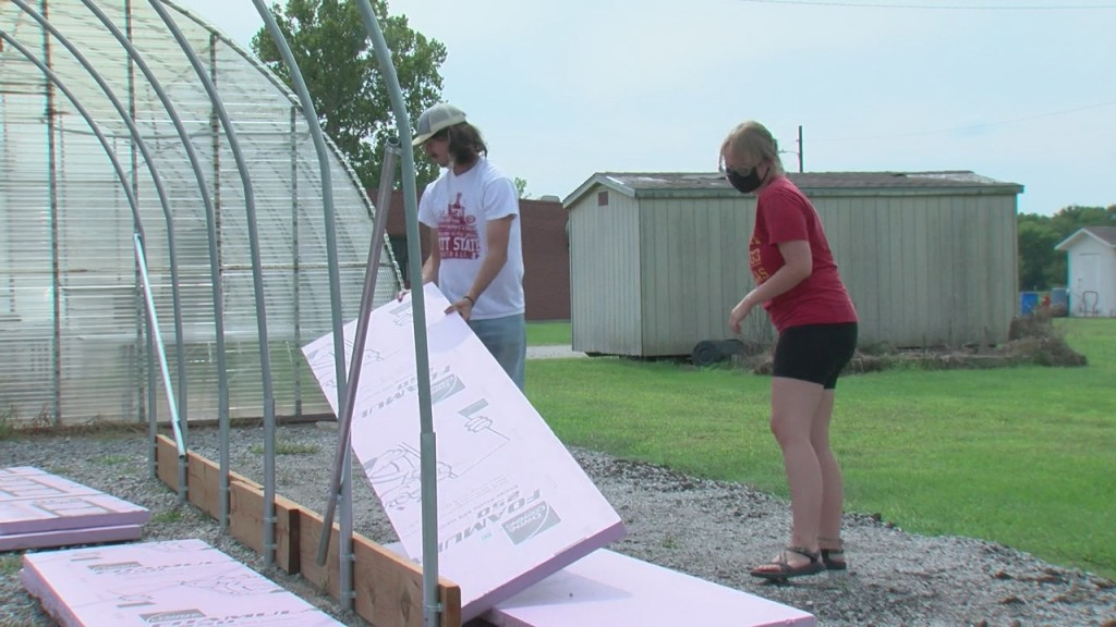 Some Pittsburg State University Are Providing A Space For Local High Schoolers To Develop Their Green Thumb
