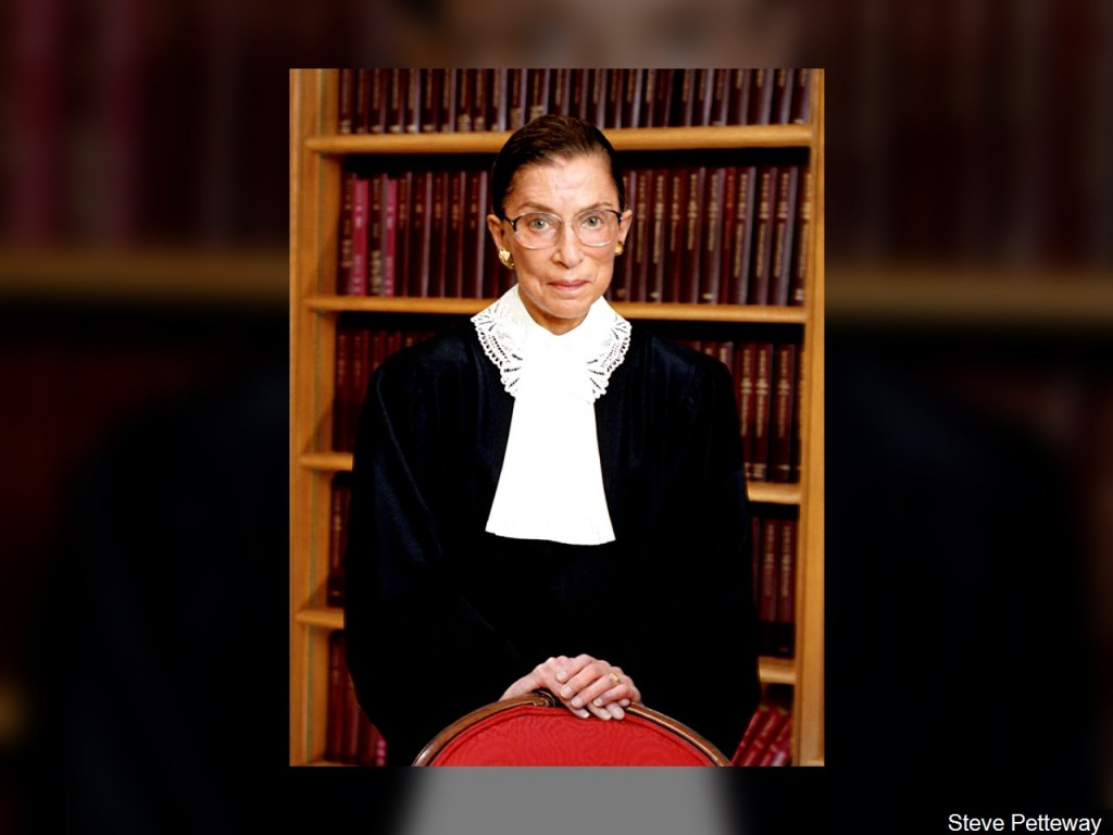 Ruth Ginsburg's flag-draped casket arrives at Supreme Court