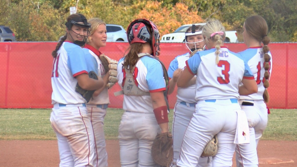 Webb City softball falls to Rock Bridge, 7-1.