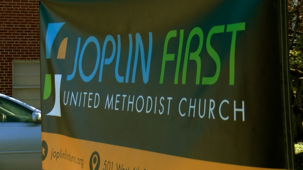 Joplin First United Methodist Church gives free Thanksgiving meals.