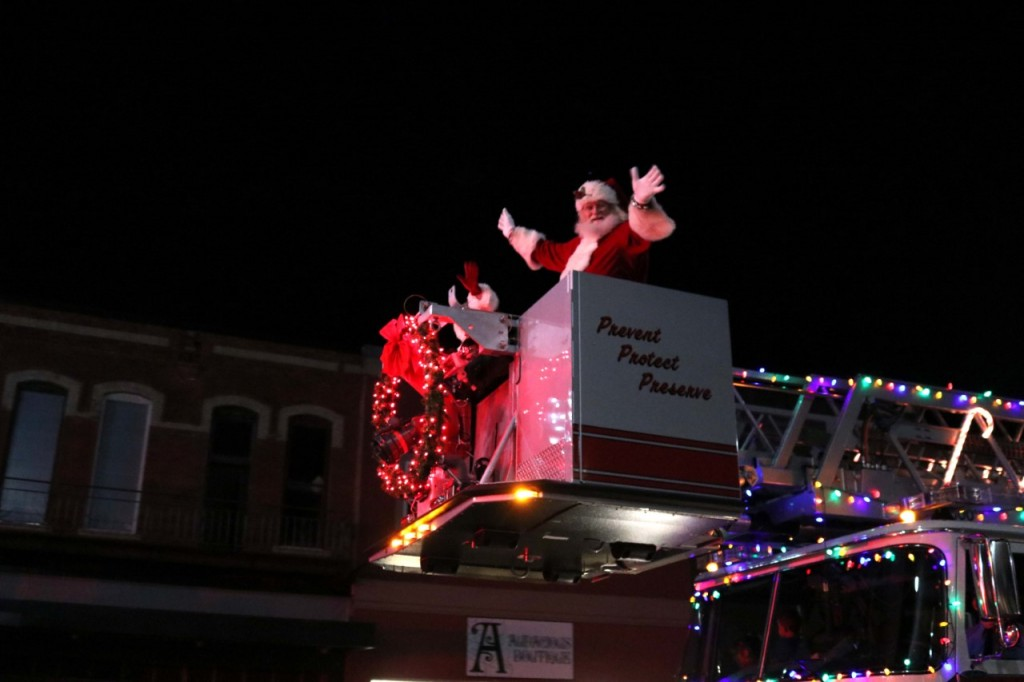 Pittsburg announces drive-thru Christmas parade