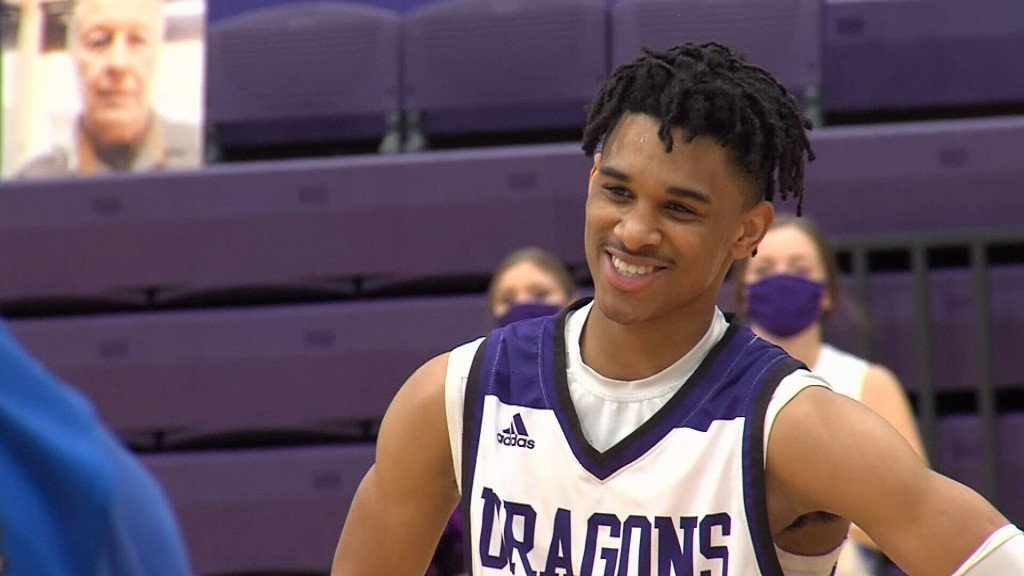 Javon Grant averages 36 ppg though Pittsburg's first four games of the year.