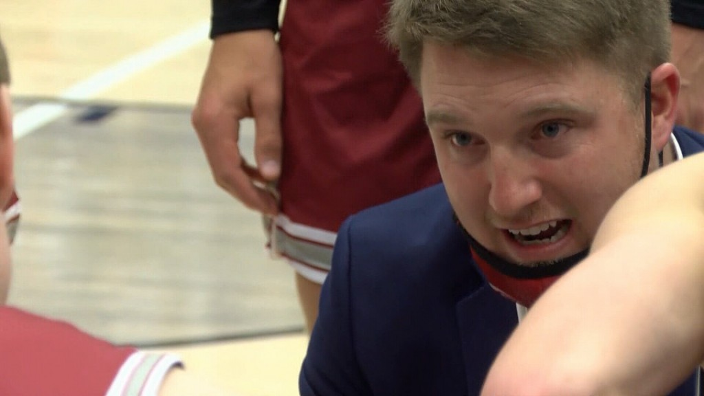 Nevada edges out Joplin for 3rd place in Carthage Boys Invitational, 47-39, on Saturday.
