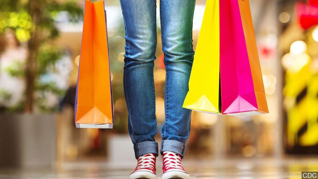 Person With Shopping Bags, Mgn 1280x720 71124p00 Eotvp