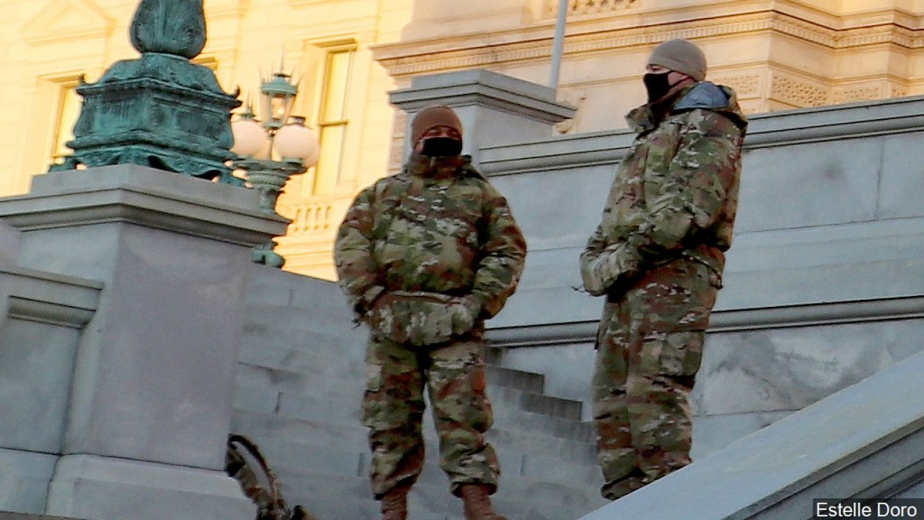 Troops guard the Library of Congress buildings, Mgn 1280x720 10110p00 Qijyo