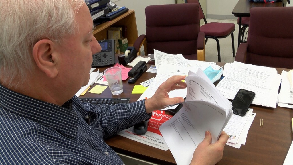 The Newton County Health Department Admn Looks At Emails About Covid 19 Vaccinations