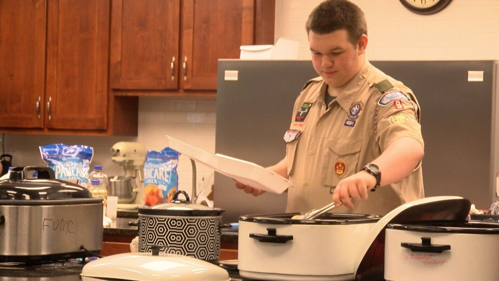 Carthage Scouts Raise Money With A Hot Breakfast