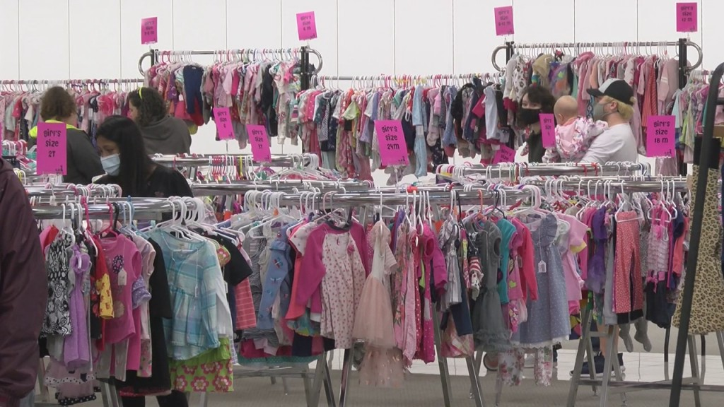Shoppers In Pittsburg Were Treated To A Unique Shopping Experience Where They Could Help Others In The Community