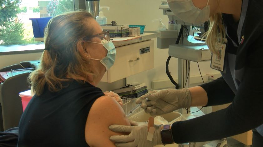 Joplin Resident Karen Hemmingford Recieves Her First Dose Of Covid 19 Vaccine At A Walk In Clinic At Mercy