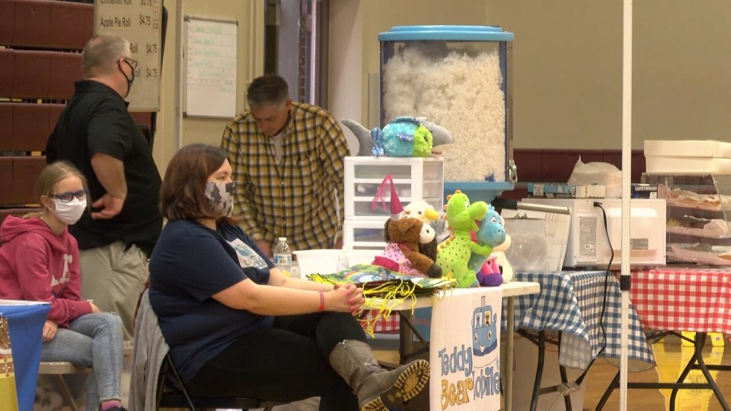 Vendors Get Ready At The Spring Market