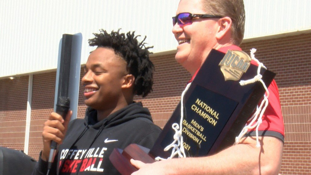Coffeyville Is Welcomed Home As National Champions
