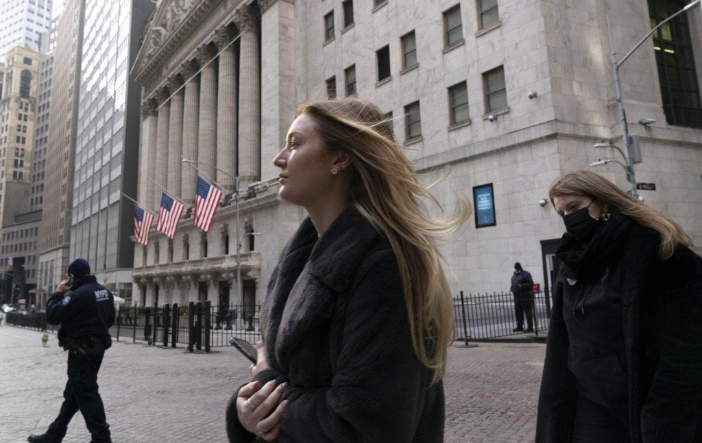 Us Stocks Rise To Records On More Proof Of Economic Recovery