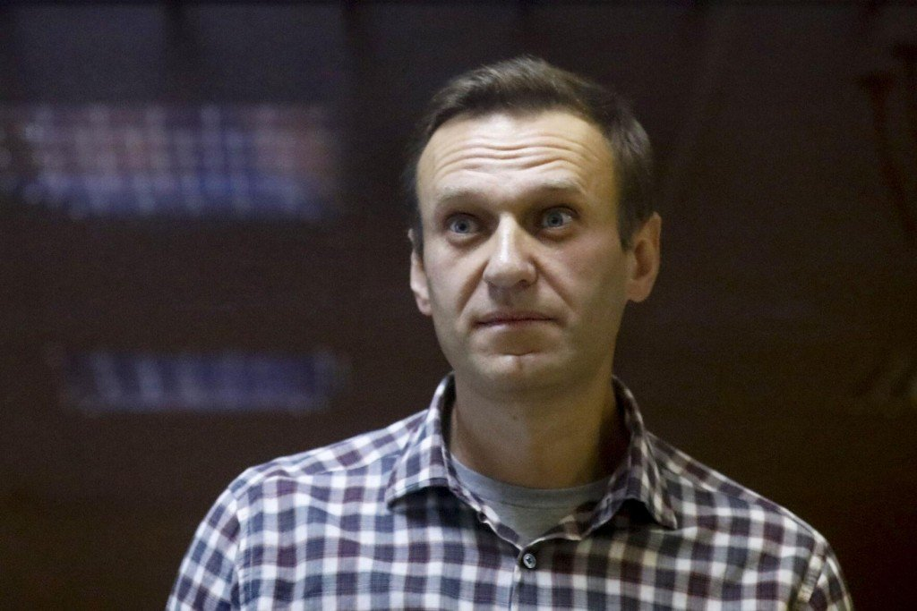 Hunger Striking Navalny Describes Threats To Force Feed Him