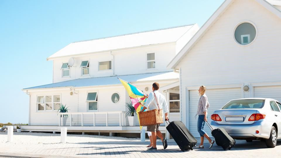 Are Timeshares Worth It? Here Are The Benefits And Risks