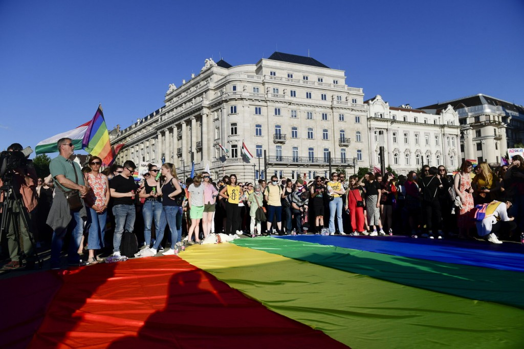 Hungary: Lawmakers Pass Law Barring Lgbt Content For Minors