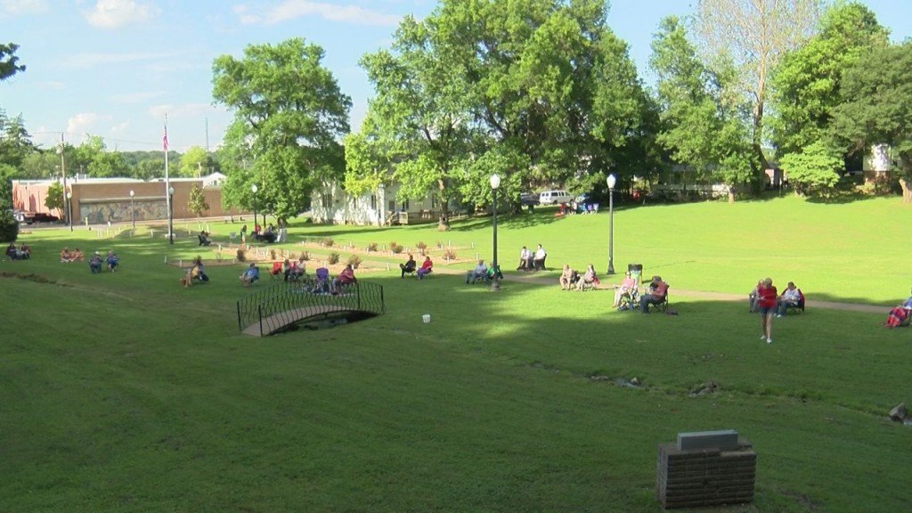 """Residents Enjoy The """"live Music In Big Spring Park"""" Event In Neosho."""