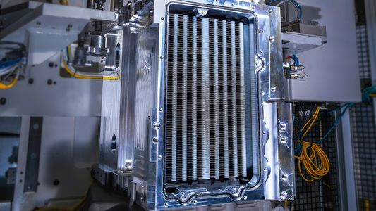 Planes, Trains And Automobiles: If It Moves, Gm Will Build Hydrogen Fuel Cells