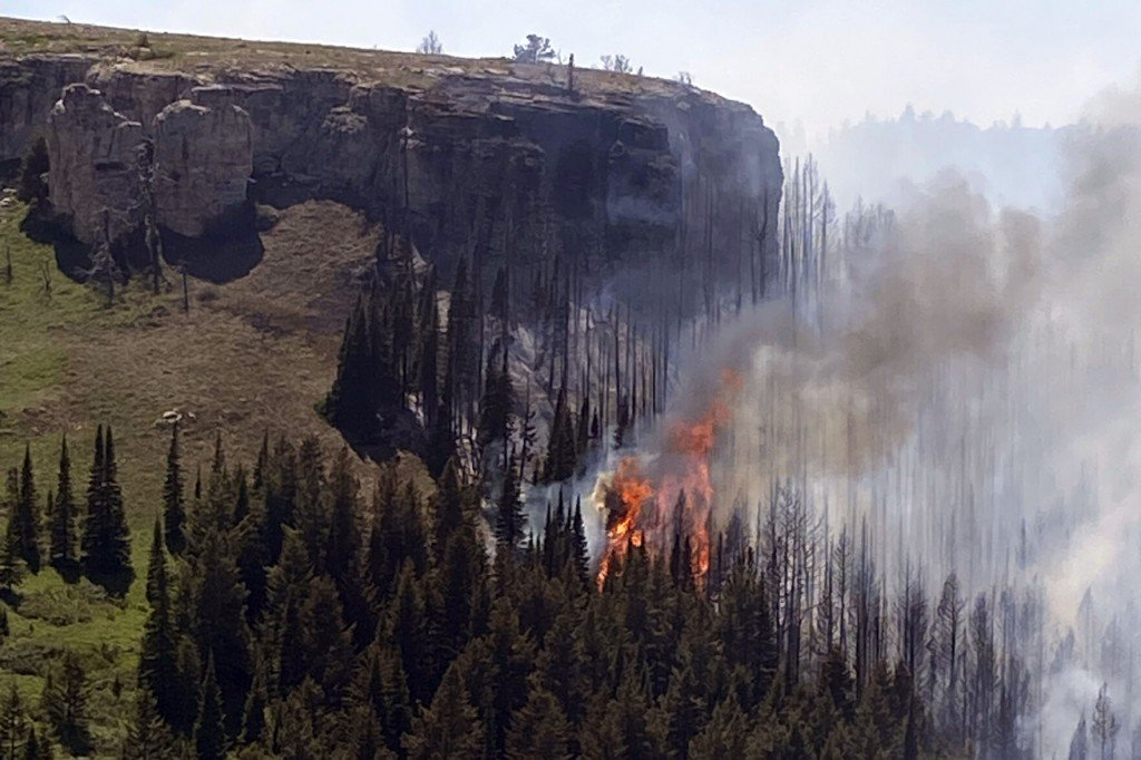 State Aircraft Sidelined After Montana Fire Helicopter Crash