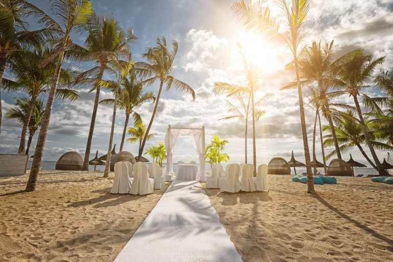How To Travel Cheap(er) For A Wedding