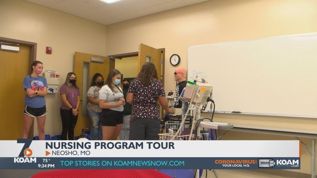 Some Prospective And Pre Nursing Students Had The Chance To Tour Crowder College's Nursing Program