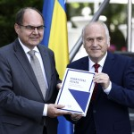 New Un Envoy To Bosnia Faces Angry Opposition From Serbs