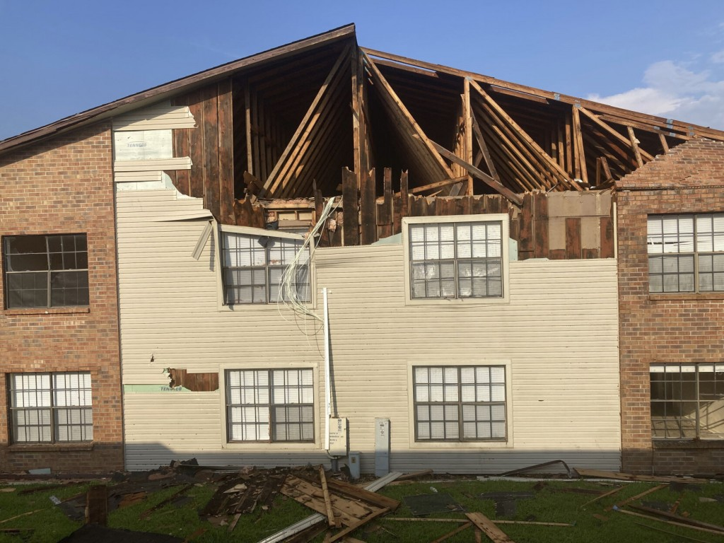 Ida Ravaged Apartment Complex Forces Tenants To Pack, Plan