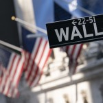Major Indexes Slip On Wall Street, Reversing Early Gains