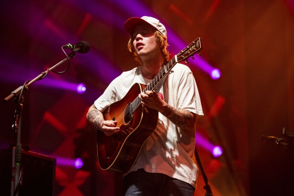 Billy Strings Wins Bluegrass Entertainer Of The Year Award