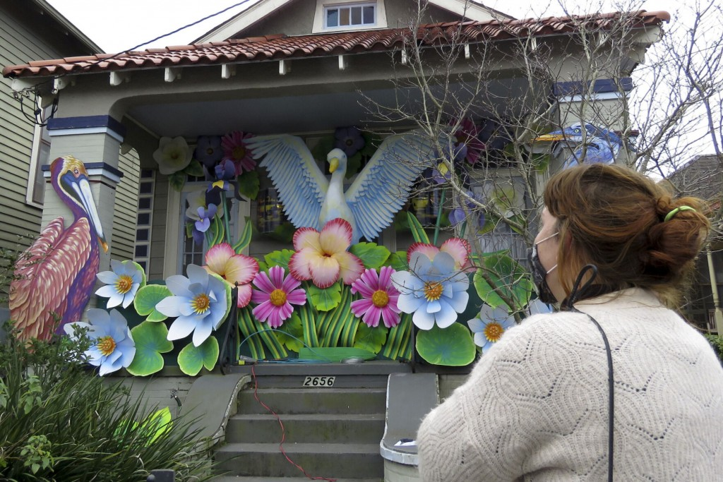 Mardi Gras 2022: House Floats? Yes. Parades? Maybe.