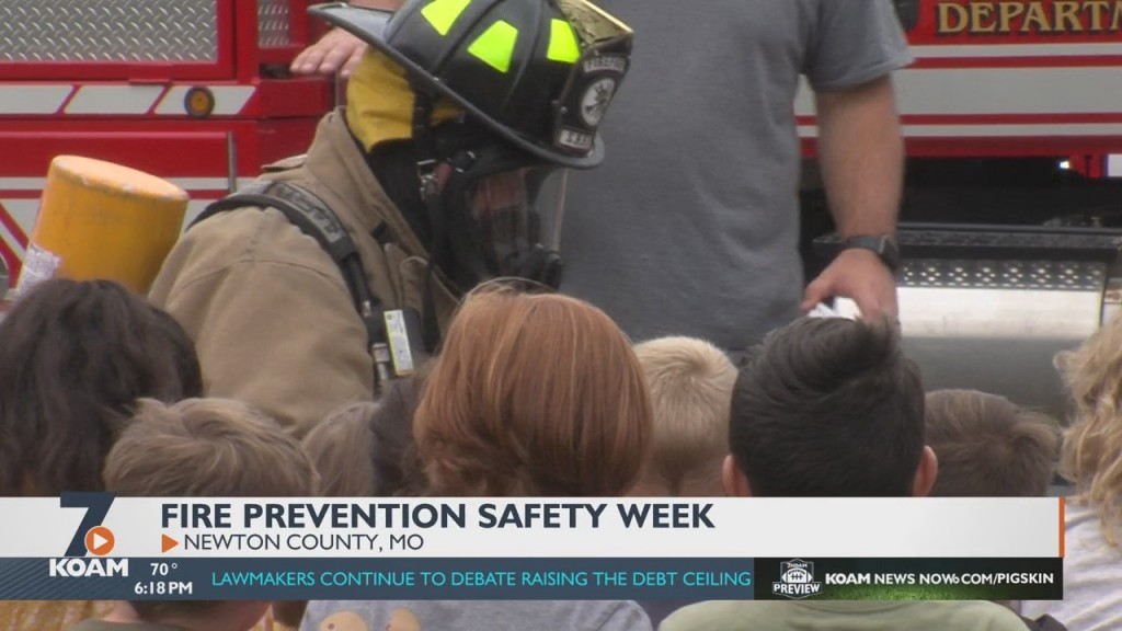 Area Fire Department Talk To Local Students About Fire Safety