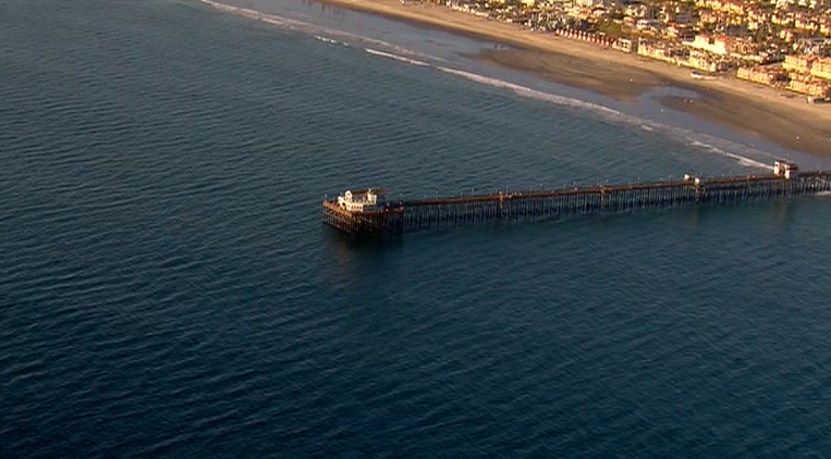 Body found floating by Oceanside Pier -