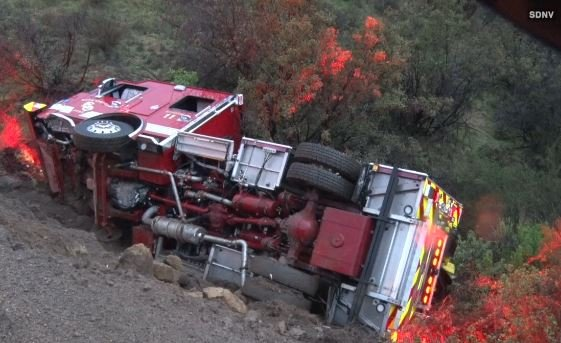 Off Road Fire Truck >> Fire Truck Rolls Over In Bonsall 3 Firefighters Sent To