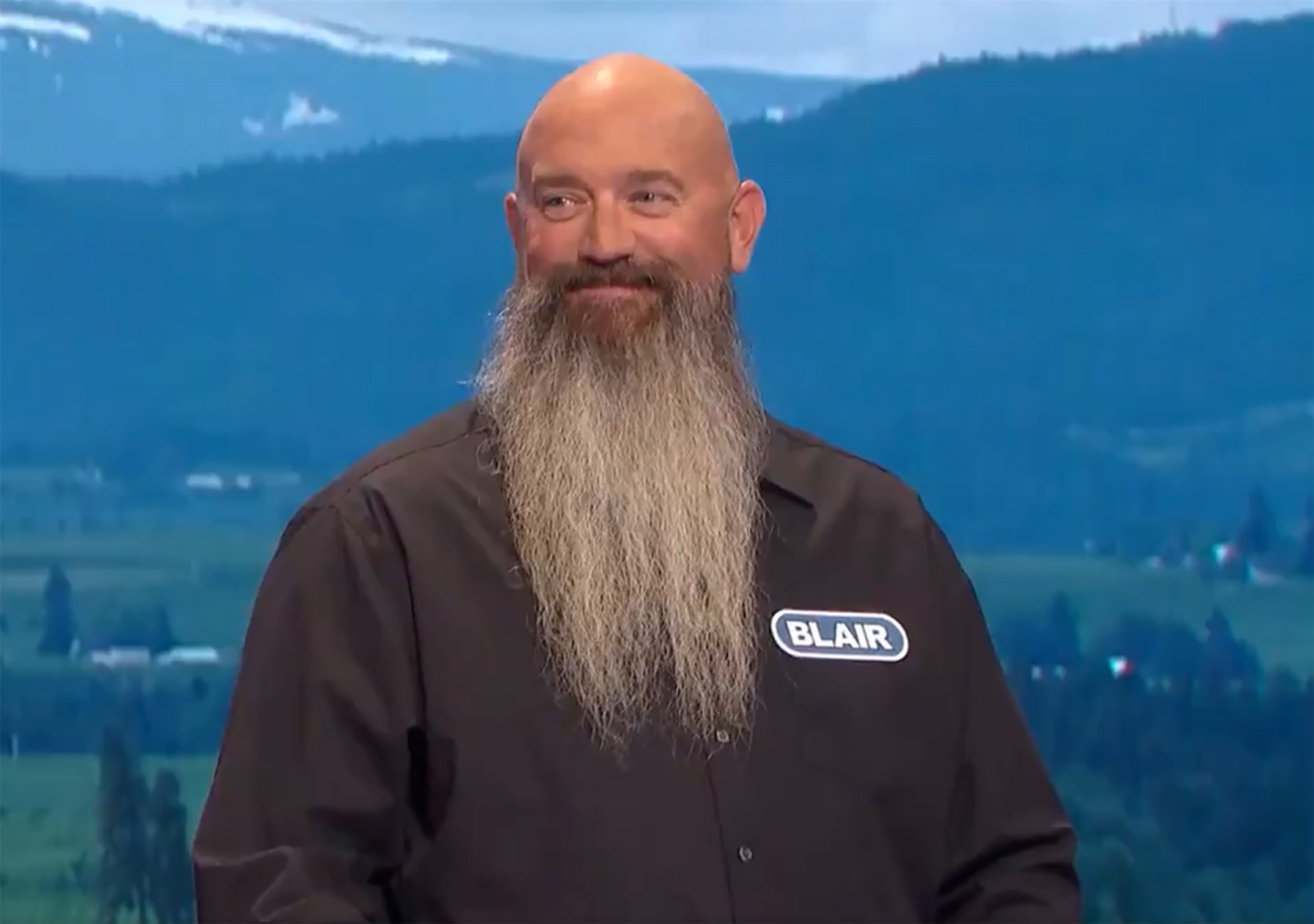 San Diego man delivers hilarious introduction on Wheel Of Fortune -