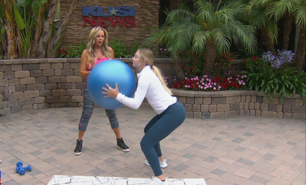 "Cindy Whitmarsh Shows The ""butt & Glutt"" Workout"