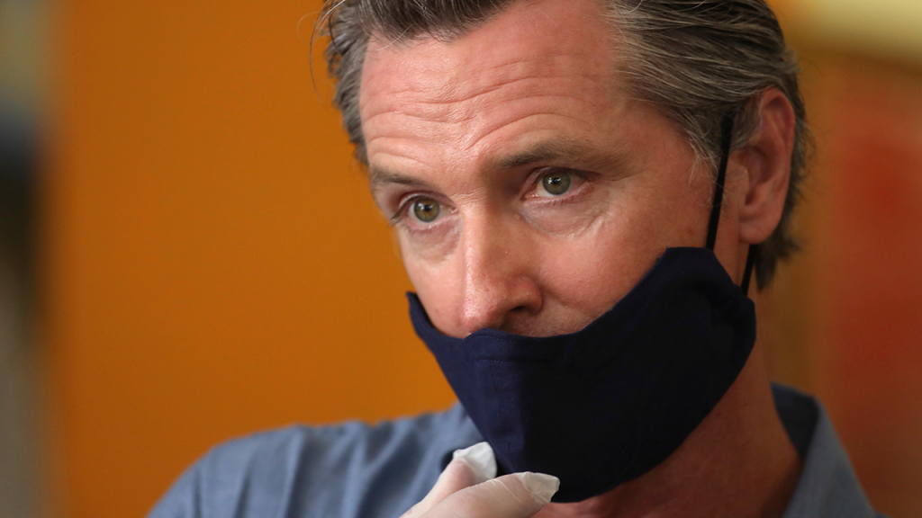 Gavin Newsom Wears A Mask