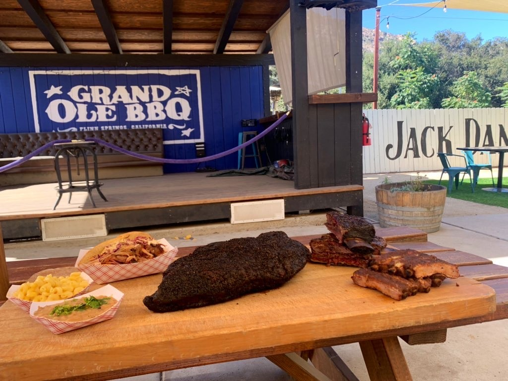 Grand Ole Bbq Flinn Springs Reopens With Outdoor Seating
