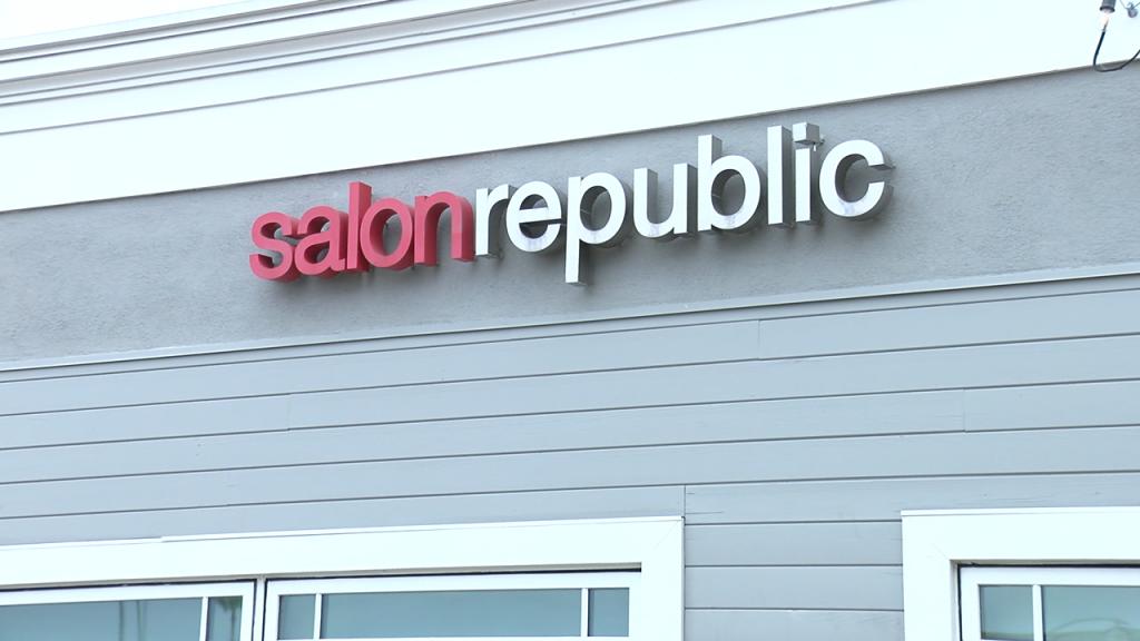 Salon Republic Del Mar Plaza