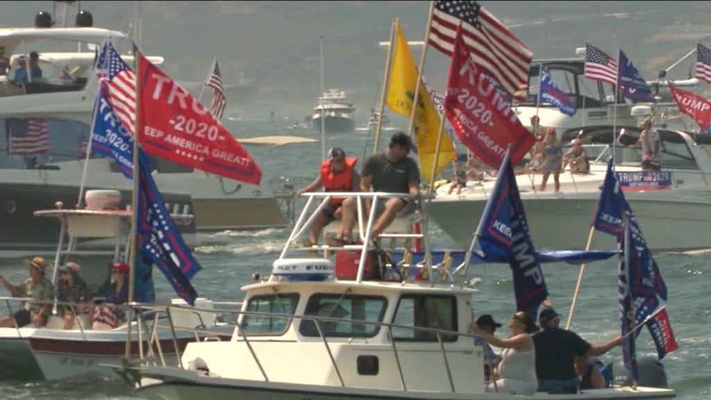 Trump Boat Paradeeee